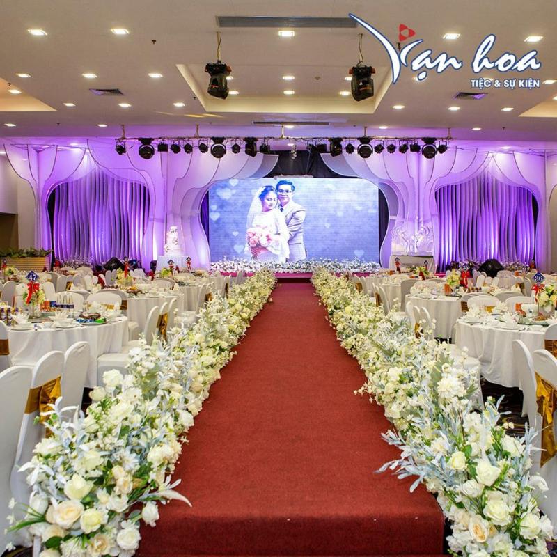 Vạn Hoa Tiệc & Sự kiện - Hoàng Quốc Việt