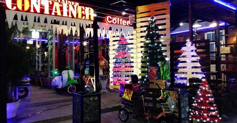 Các quán cafe dọc phía 2 bên bờ sông Hàn