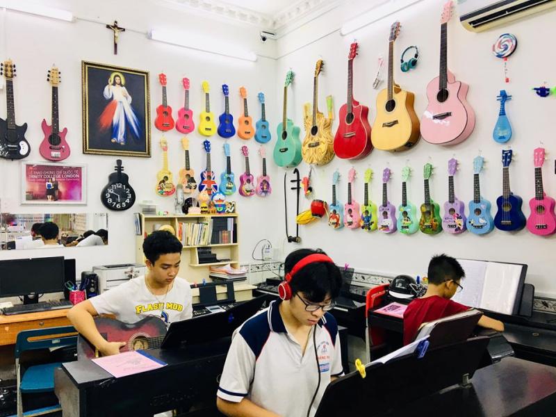Lớp nhạc Thiên Lý