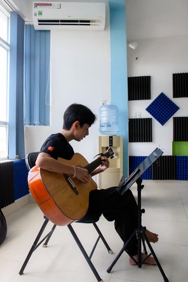 MUSIC & COLOR - Trường Dạy Nhạc Vẽ Vũng Tàu