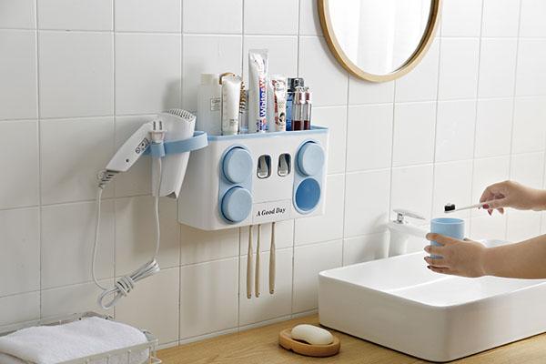 Giá/ cốc đựng bàn chải đánh răng là món đồ nội thất trong nhà chứa rất nhiều vi khuẩn