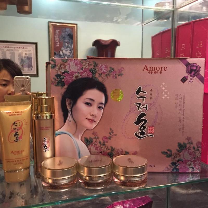 Kem đặc trị nám Hàn Quốc Amore Whitening
