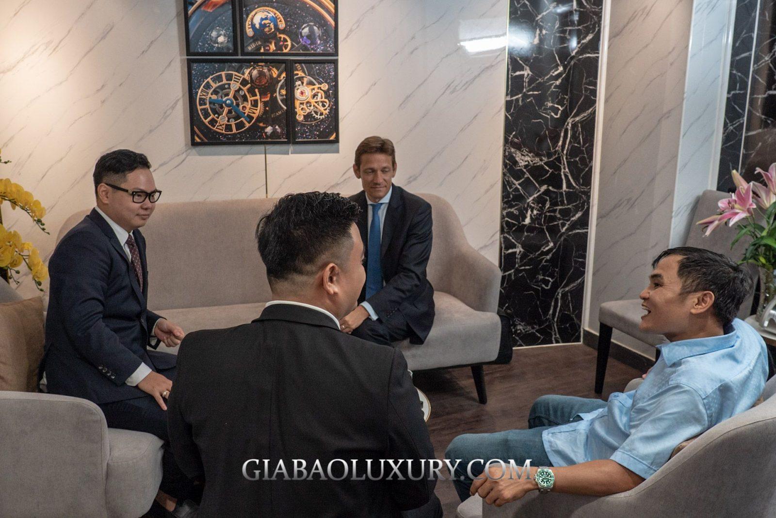 Những anh em đam mê đồng hồ cao cấp ngồi giao lưu tại Gia Bảo Luxury Sài Gòn
