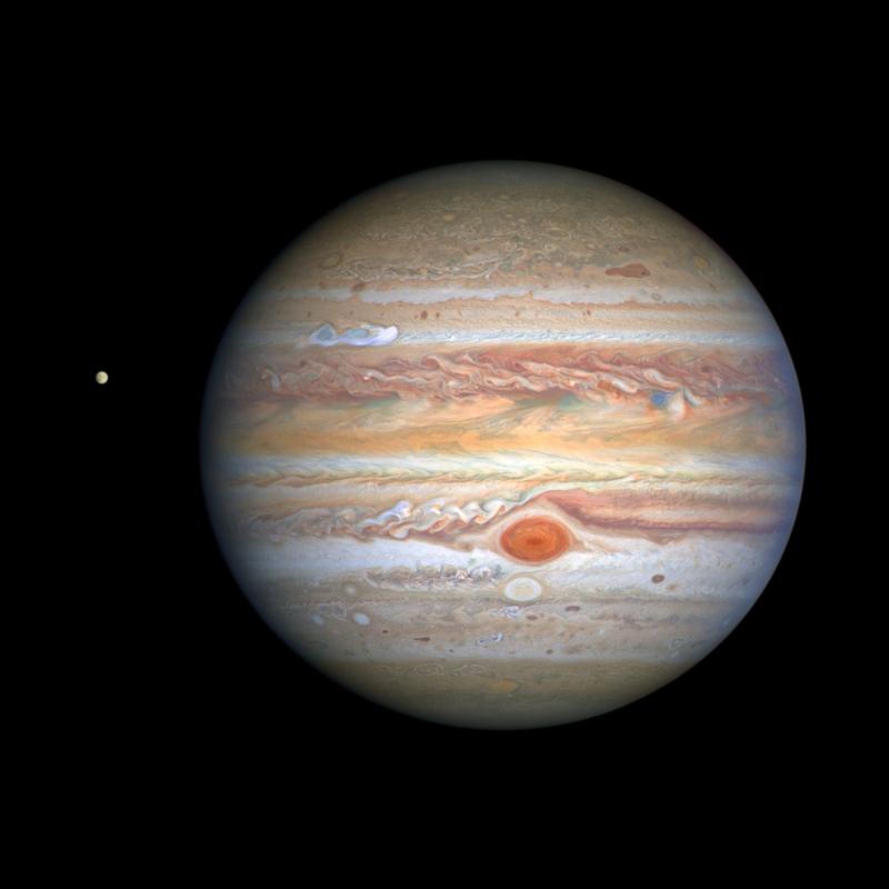 Tại sao Sao Mộc lại có những đốm đỏ nhìn trông như vân gỗ?