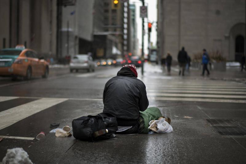 Tại sao ông ấy lại là người vô gia cư?