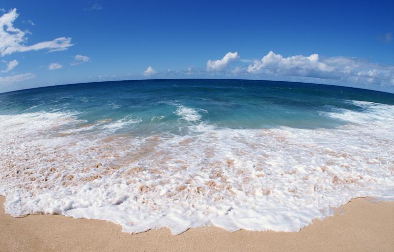 Tại sao trên mặt biển lại có các bọt biển?