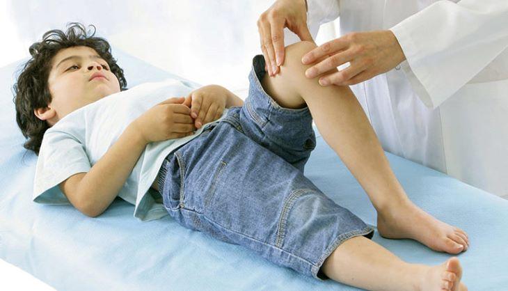 Dấu hiệu đau tay chân khi bé dậy thì thế nào?