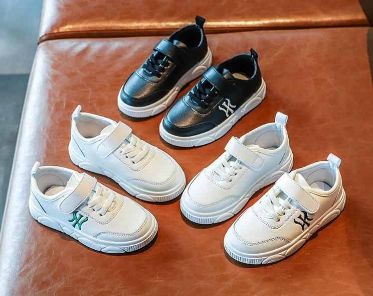 Giày cho bé yêu