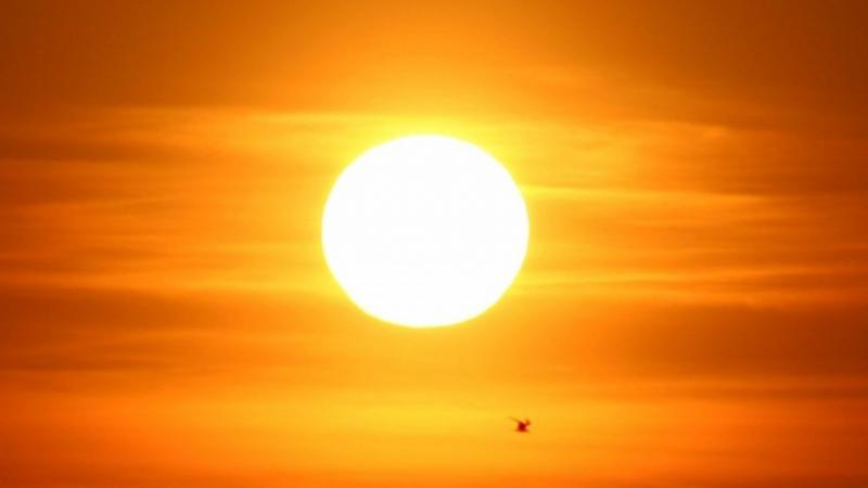 Mặt Trời có phát triển to lên không?