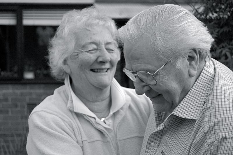 Truyện cười ngắn hại não liên quan đến tình yêu