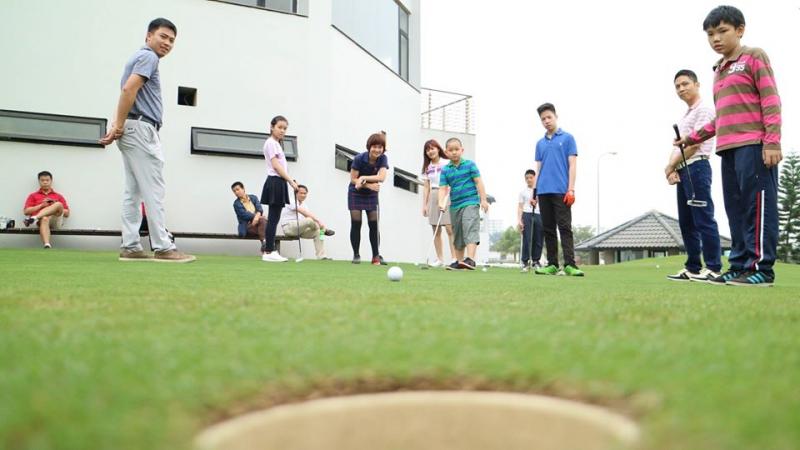 Học viện golf Việt Úc