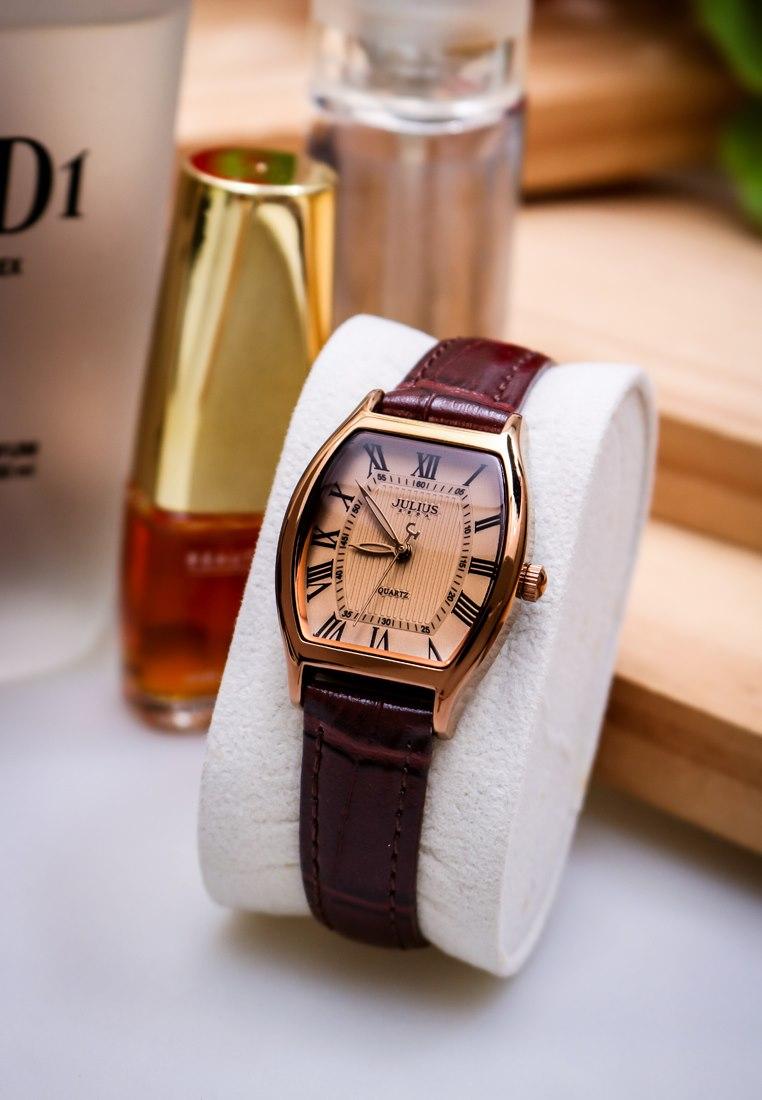 Julius - Watch