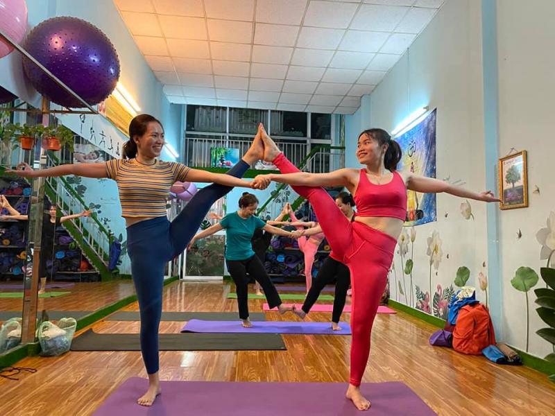 Phòng tập yoga Ánh Dương