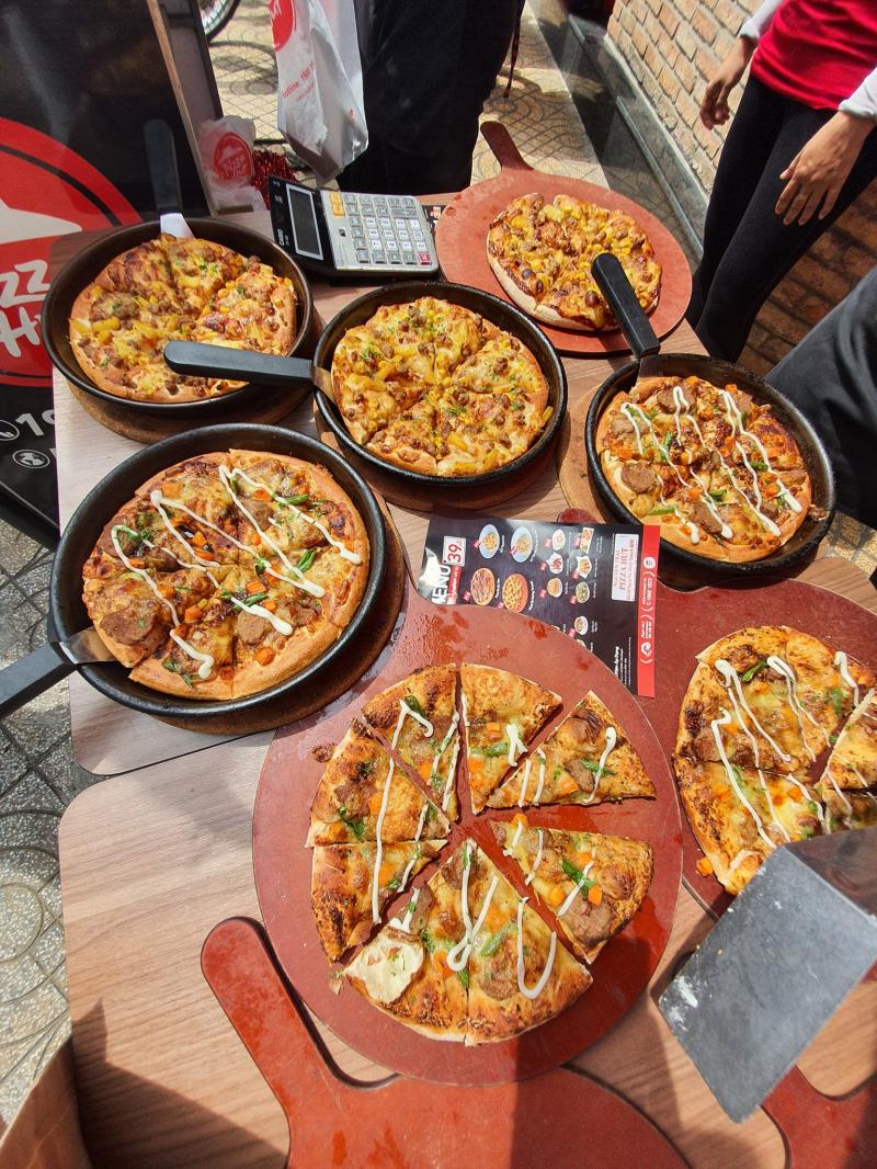 Pizza Hut - Phan Xích Long