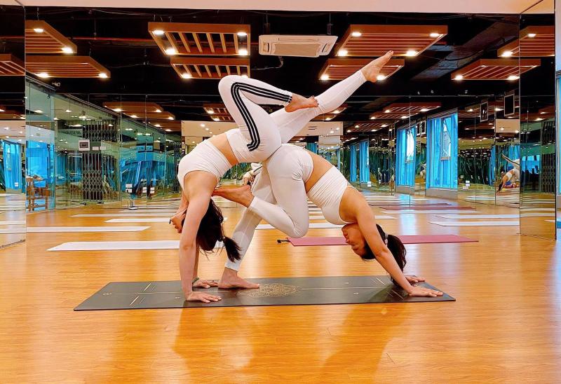Yoga & Dance Linh Đàm