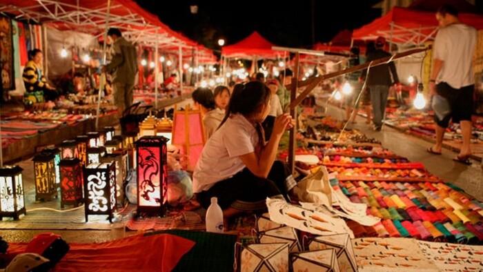 Khám phá chợ đêm Tây Đô