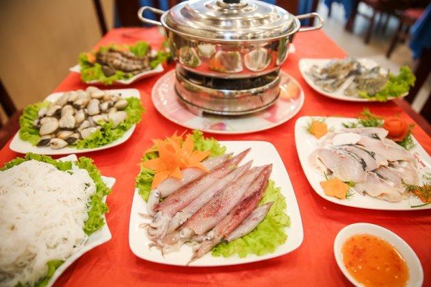 Cách nấu lẩu hải sản đối kháng giản cho gia đình