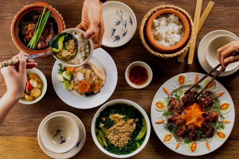 Cơm Niêu Việt Nam – Cộng Hòa