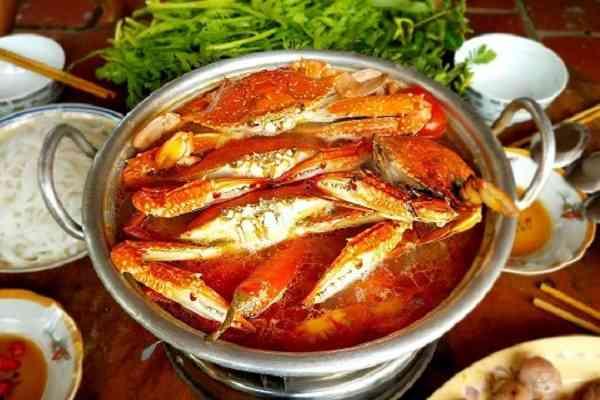 Lẩu hải sản ghẹ chua cay