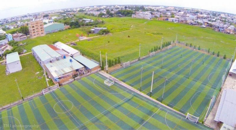 Sân bóng đá cỏ nhân tạo mini Hồng Bảy