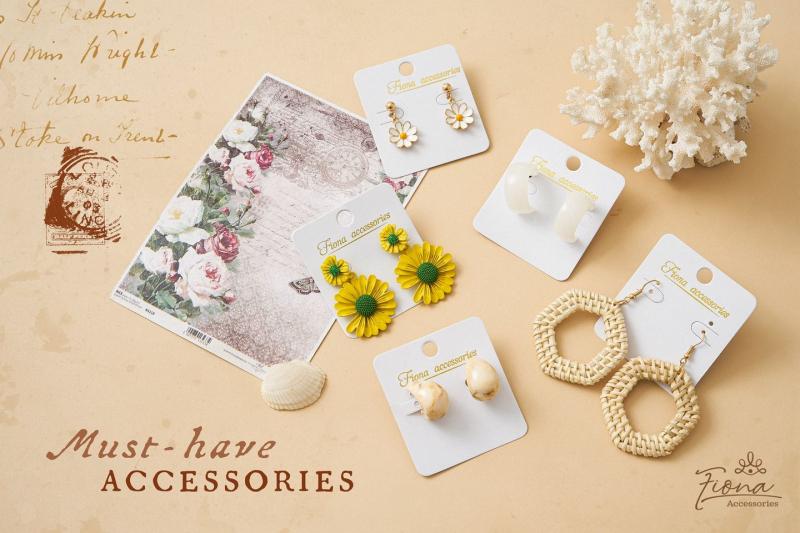 fiona_accessories