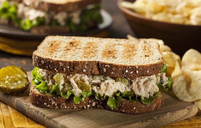 Bánh mì kẹp ăn nhanh