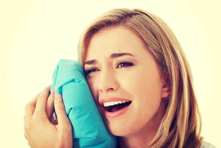 Cách giảm đau răng khôn bằng phương pháp chườm lạnh