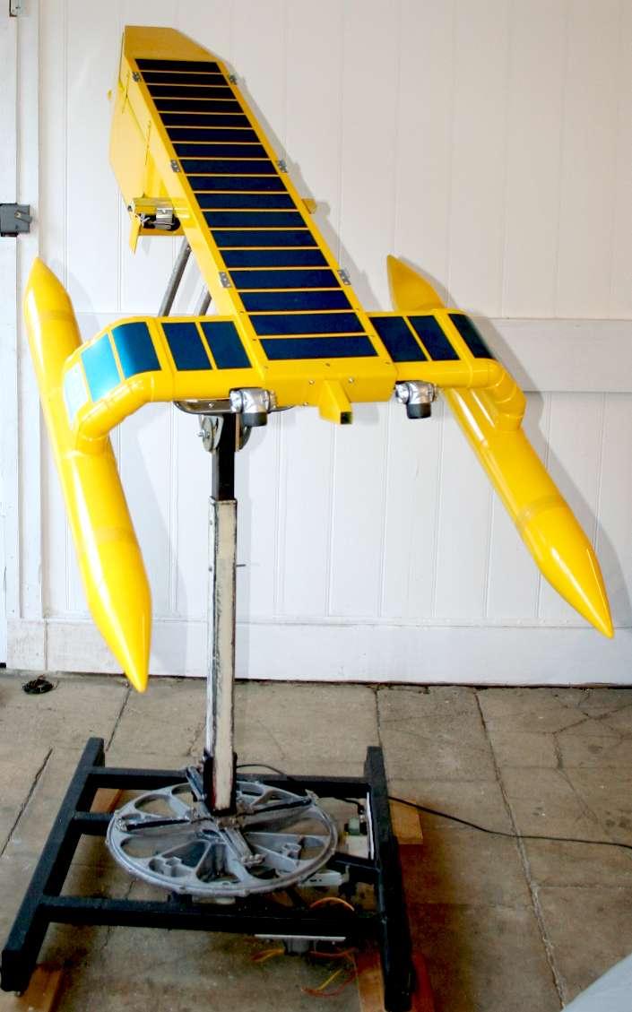 Chiếc thuyền robot có thể hút tới 150 tấn rác thải nhựa từ đại dương