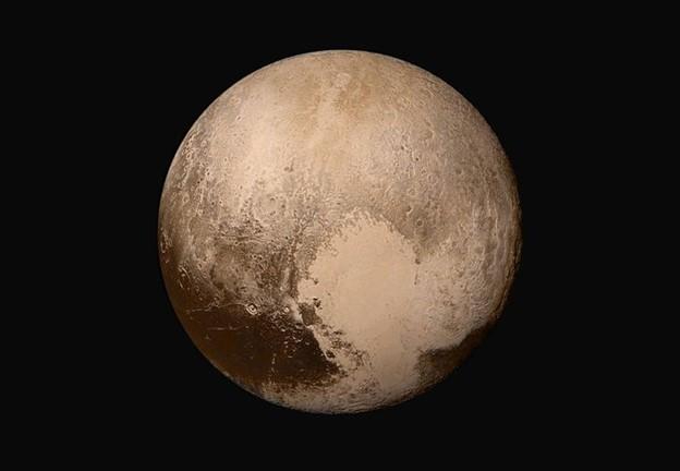 Có nước dạng lỏng trên sao Diêm Vương