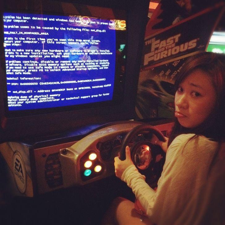 Đâm ô tô liên tục trong trò chơi lái xe