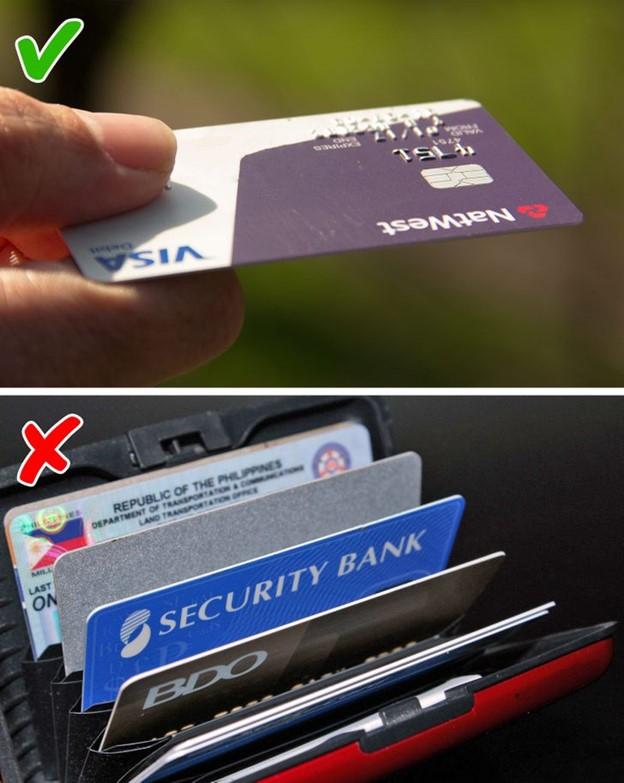Dùng nhiều thẻ ghi nợ