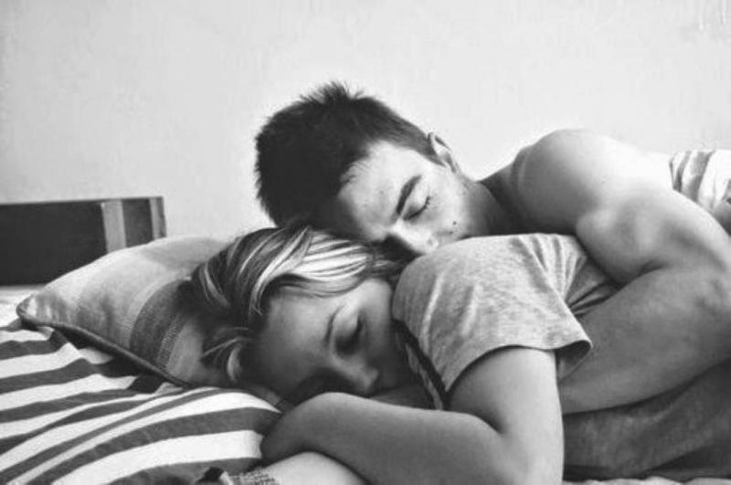 Đừng quên những cái ôm và nụ hôn