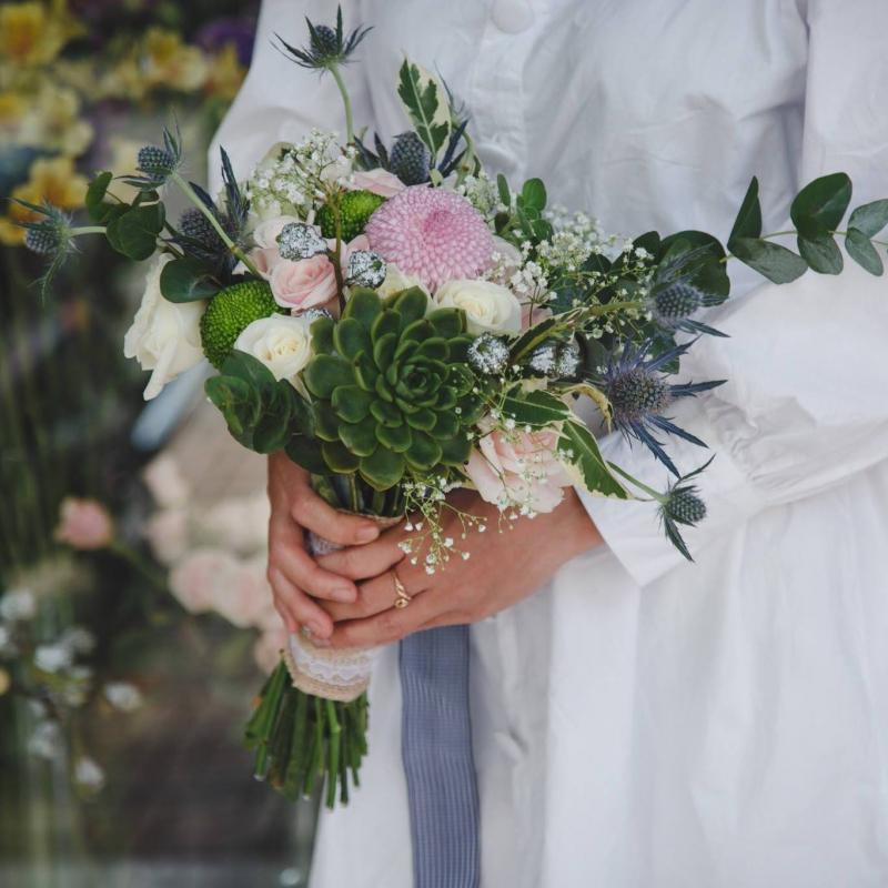Hoa Tươi May (May Flowers)