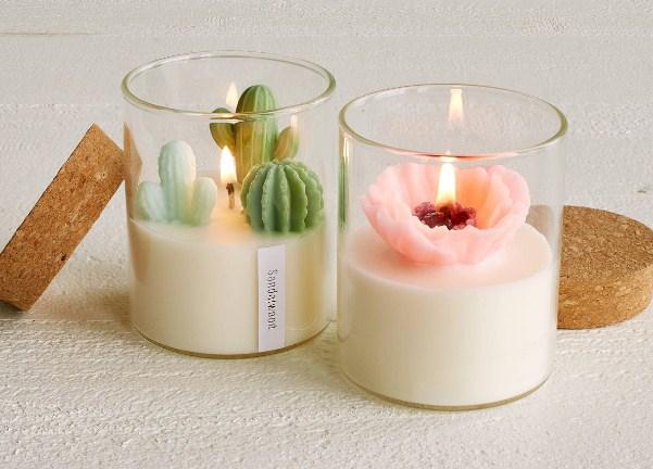 Nến thơm và nước hoa xịt phòng