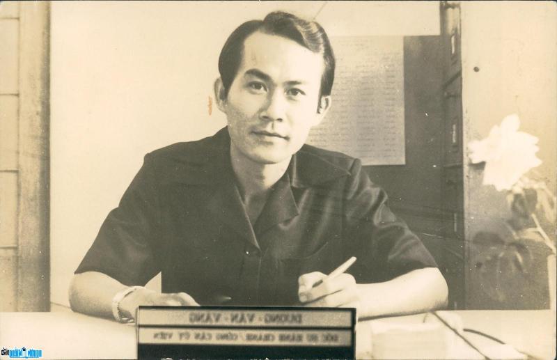 Ngày sinh Dương Quân, nhà thơ trào phúng Việt Nam: 08/08