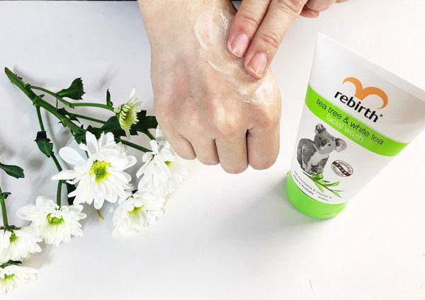 Rebirth Tea tree & White tree Facial Wash
