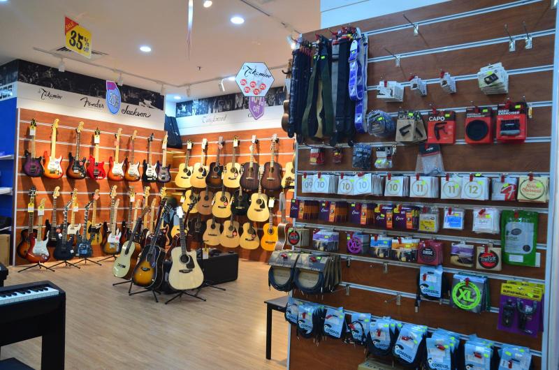 Shop Guitar Sol Lee