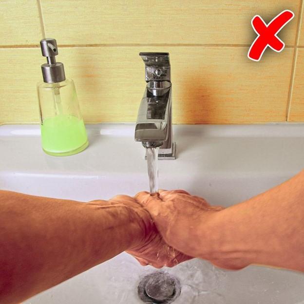 Sử dụng xà phòng dạng lỏng