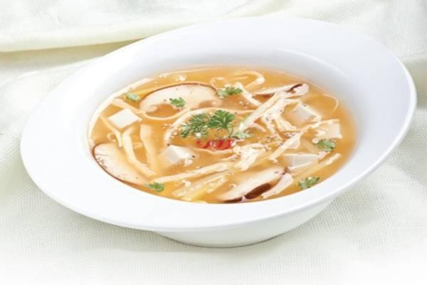 Súp là món chính, và bữa tối hạn chế ăn nhiều món