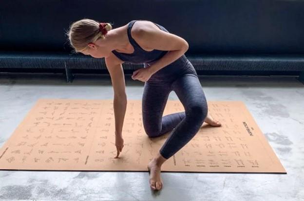 Thảm hướng dẫn tập yoga