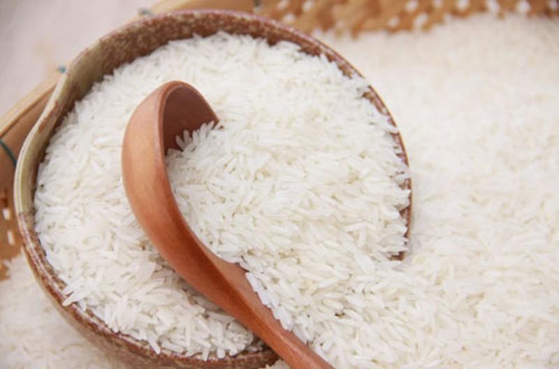 Thử giã gạo