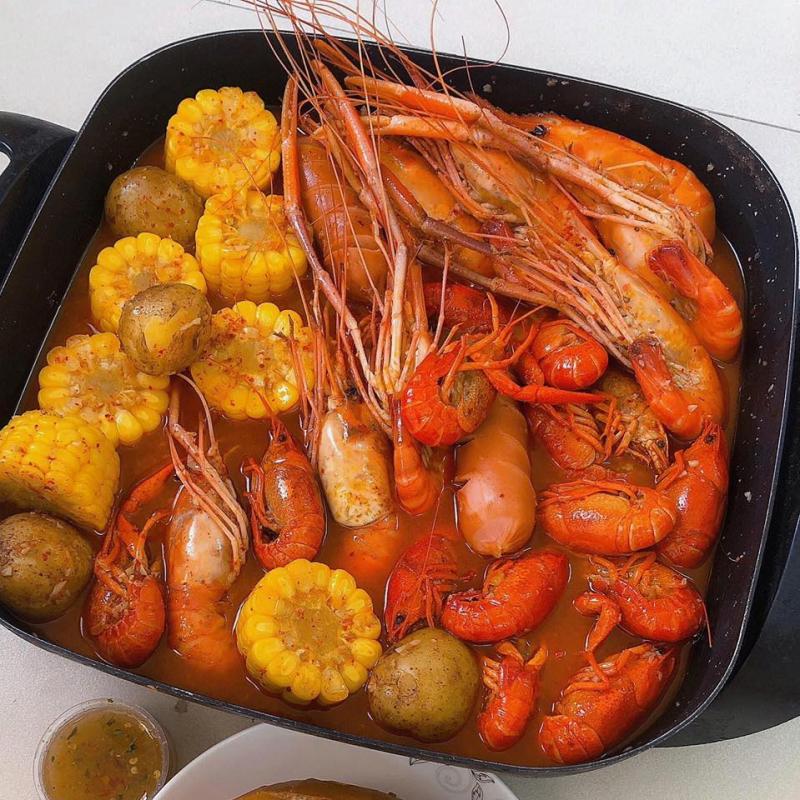 Tôm hùm baby và Crawfish Cajun, Tân Sơn Nhì