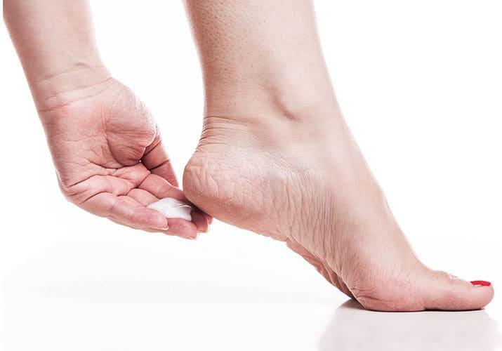 Trên gót chân của bạn