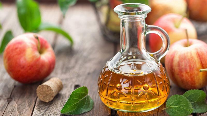 Cách điều trị bệnh viêm mũi dị ứng bằng giấm táo