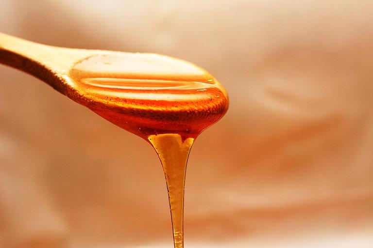 Chữa viêm mũi dị ứng bằng mật ong