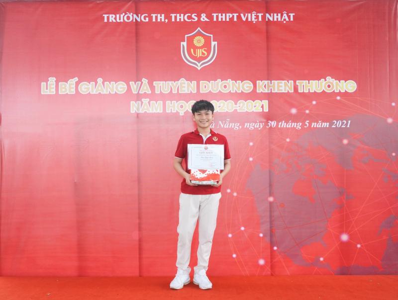 Hệ thống trường Liên cấp Việt Nhật