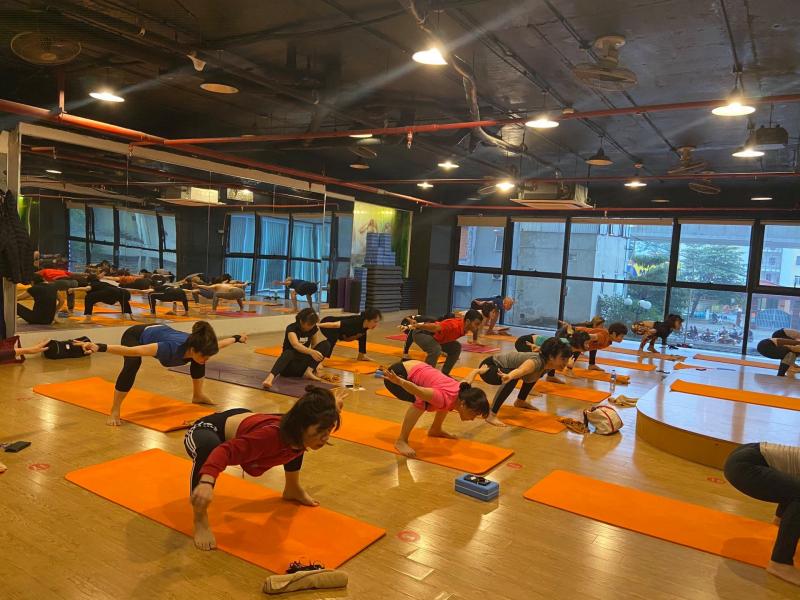 Sky Fitness Yoga Cầu Diễn