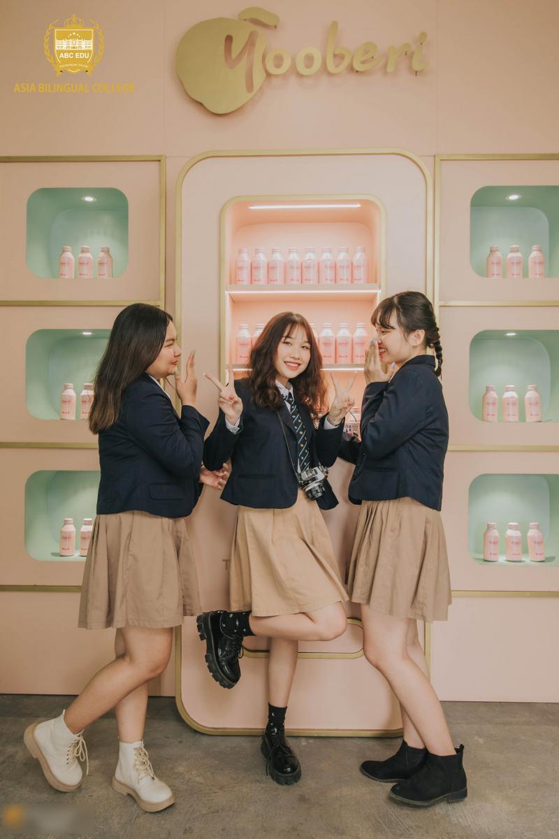 Trường THCS Song Ngữ Á Châu