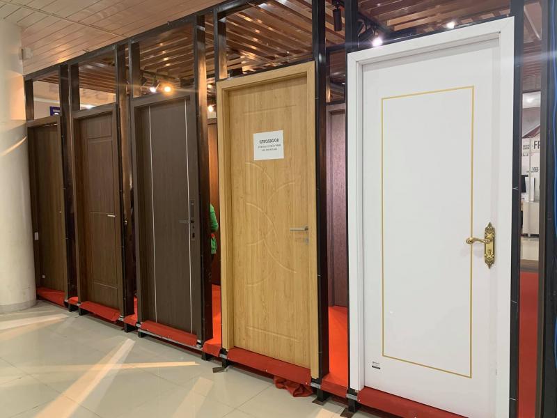 Cửa gỗ nhựa Nha Trang - Cửa G7 Kosdoor siêu chịu nước