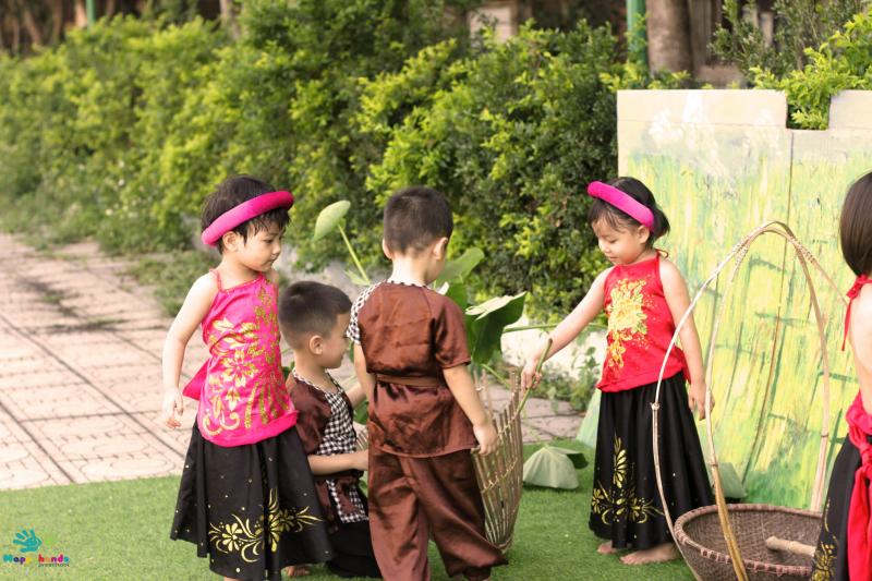 Happy Hands Montessori School